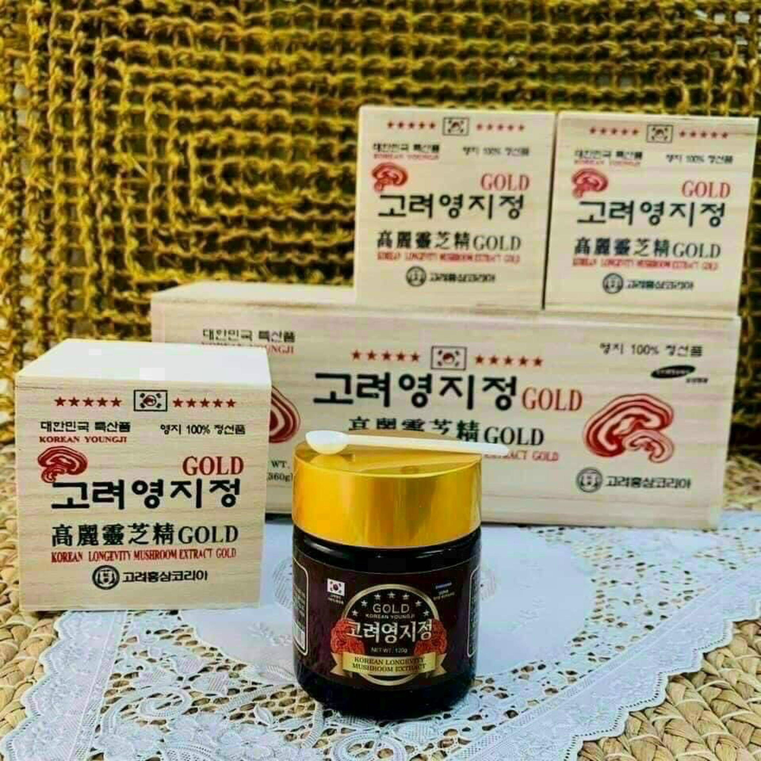 Cao linh chi hộp gỗ Hàn Quốc Gold