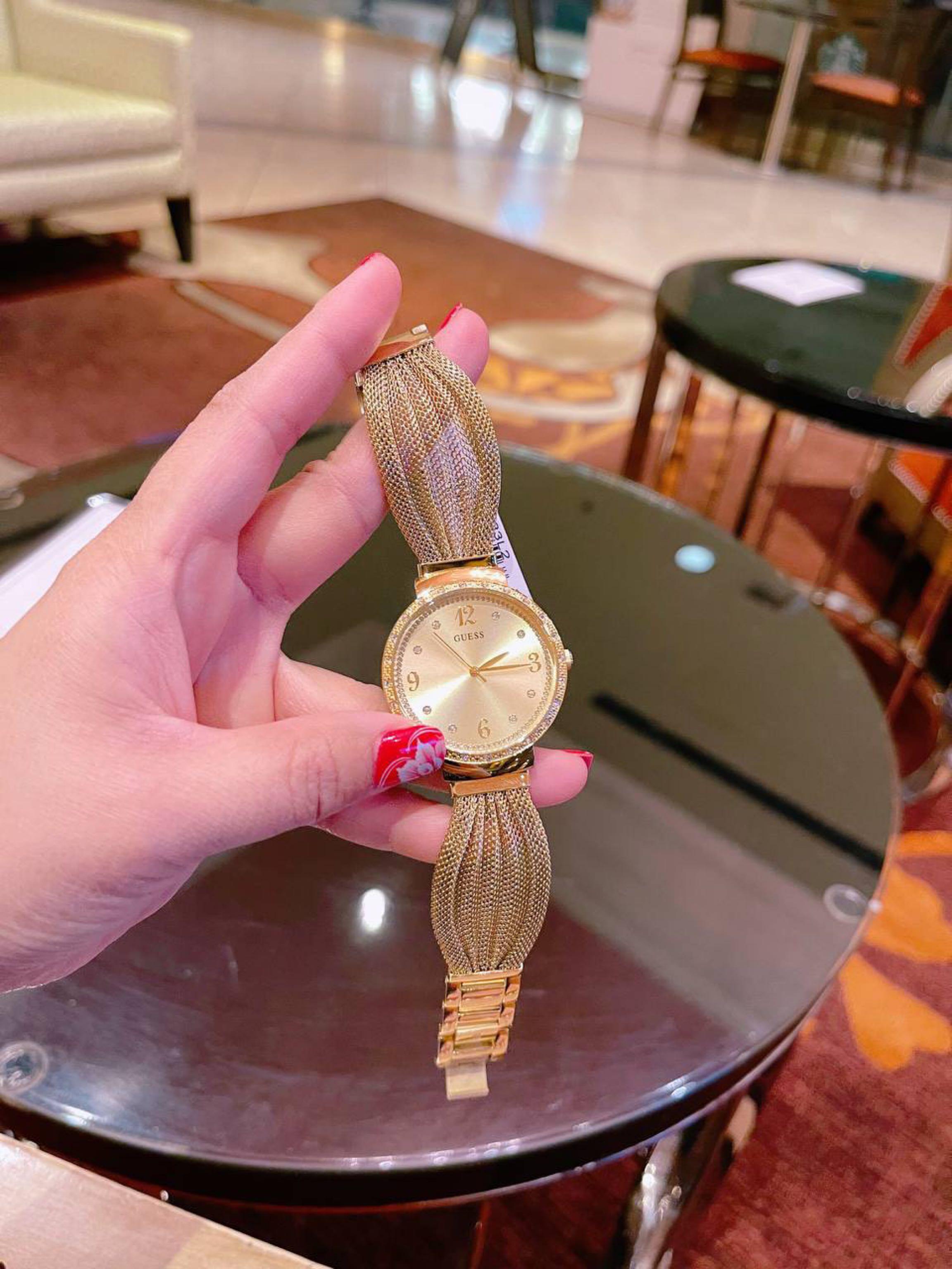Đồng hồ Guess siêu đẹp